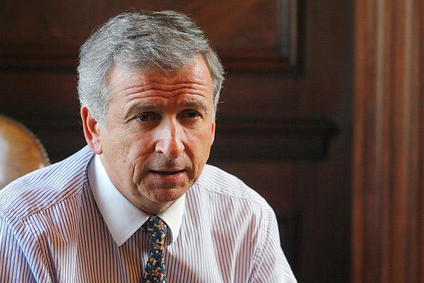 Felipe Larraín asegura que el problema de las AFP se debe a que vivimos mucho - Imagen 2