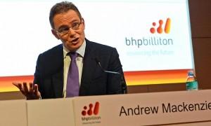 Adrew Mackenzie analiza la situación del sector minero