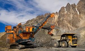 """Minera Anglo American dice reestructuración es """"esencial"""""""