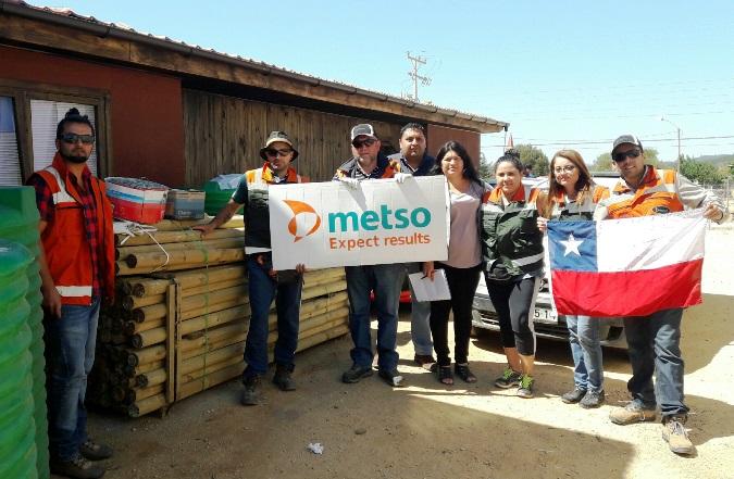 La caravana solidaria visitó el sector de las quebradas Las Papas, además de Los Guindos, La Huertilla, Perdigadero, Cutemu, Los Romeros y Carrizalillo, entre otras localidades afectadas por los incendios. (Foto: Metso)