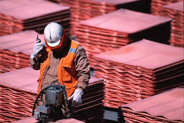 Desde el Consejo Minero afirman que existe consenso en que el precio del cobre se mantendrá bajo los US$2,5, pero sin caer de los US$2.