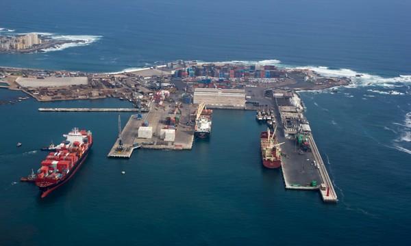 Los puertos de la zona norte del país, marcadamente mineros, han sentido el impacto del malo año de la minería. En la foto, el puerto de Iquique. (Foto: Puerto Iquique)